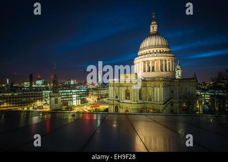 La Cathédrale St paul, à Londres Banque D'Images