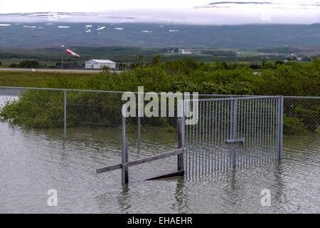 Dans l'aéroport à la porte inondée est de l'Islande Banque D'Images