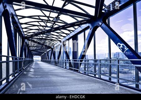 Escalier et corridor bleu Banque D'Images