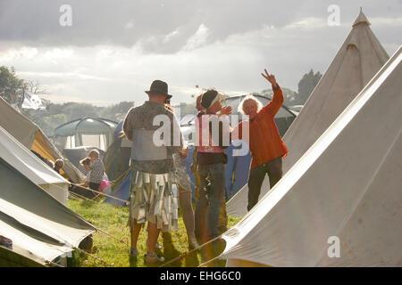 Joli camping dans le cadre d'un festival en Angleterre.
