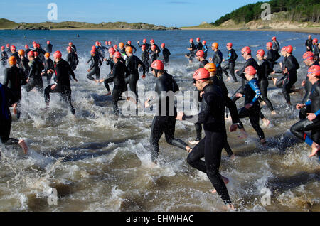 Les concurrents, triathlon, Sandman Anglesey Anglesey, Newborough Banque D'Images