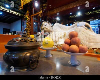 En lying with Budda statue au temple du Bouddha de Jade à Shanghai, Chine Banque D'Images
