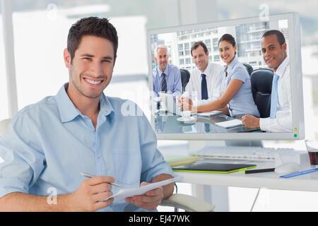 Image composite des gens d'affaires de remue-méninges Banque D'Images