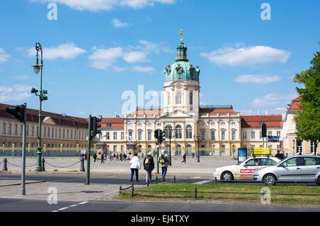 Vue avant du Palais de Charlottenburg à Berlin, Allemagne. Banque D'Images