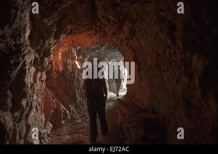 Première Guerre mondiale tunnel menant par Mt Kleiner, Langazuoi Col Falzarego, Cortina d'Ampezzo, Veneto, Italie Banque D'Images