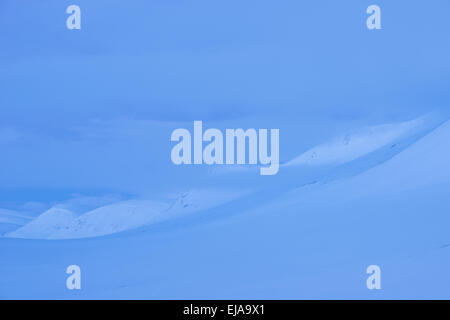 Montagnes dans l'aube, Laponie, Suède Banque D'Images