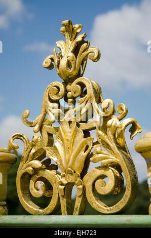 Détail d'une clôture métallique du 18e siècle à Potsdam, Brandebourg, Allemagne Banque D'Images