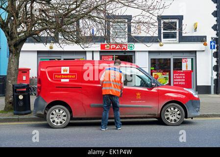 Postman et Royal Mail van Banque D'Images