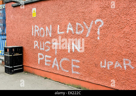9 avril 2013. Après une fête de rue dans la région, l'anti-graffiti Thatcher apparaît sur les murs tout au long Banque D'Images