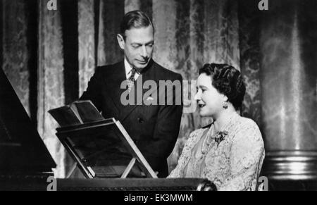 Le roi George VI, Sa Majesté la Reine Elizabeth, Portrait au piano, vers le milieu des années 30