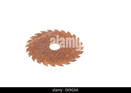 Close up vieille Lame pour scie circulaire pour le travail du bois sur fond blanc Banque D'Images