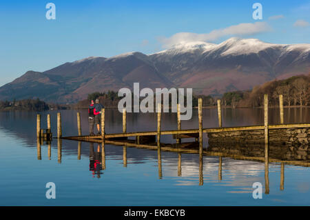 Ashness Boat Landing, Skiddaw, plage de Derwentwater, Keswick, Parc National de Lake District, Cumbria, England, Banque D'Images
