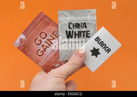 Sélection de soi-disant euphorisants légaux y compris y compris l'Gogaine, 'China White' et Blanca.