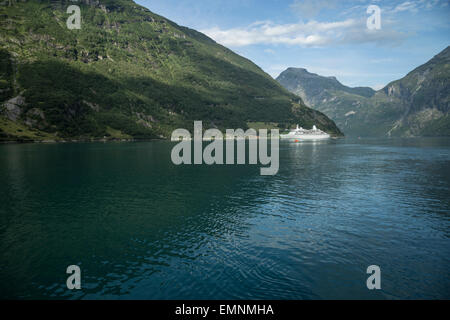 Découverte en bateau de croisière Fjord Norway Gerainger Banque D'Images