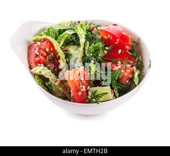 Bol à salade en blanc isolé sur fond blanc Banque D'Images