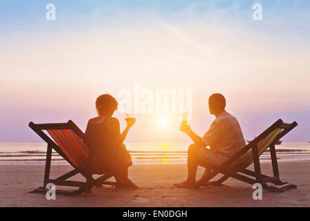 Portrait romantique coucher de soleil sur la plage Banque D'Images