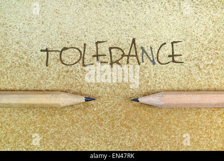 Crayons en expression conceptuel simple comme un appel à la tolérance Banque D'Images