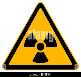 Triangle jaune Avertissement nucléaire isolé sur fond blanc. Banque D'Images