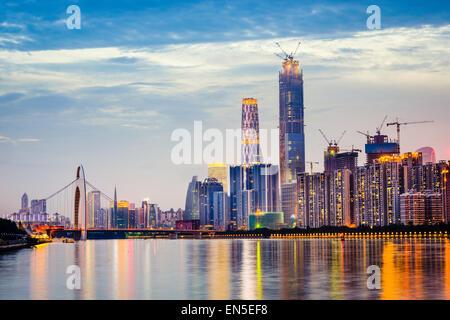 Guangzhou, Chine ville sur la rivière des Perles. Banque D'Images