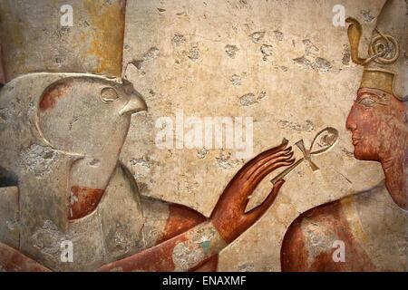 Horus et de Ramsès II de la sculpture sur pierre, Collection des Antiquités égyptiennes du Louvre. Banque D'Images