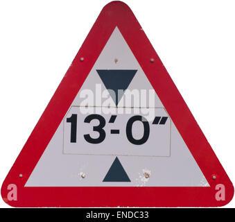 Panneau routier triangulaire de la limitation de hauteur de 13 pieds Banque D'Images