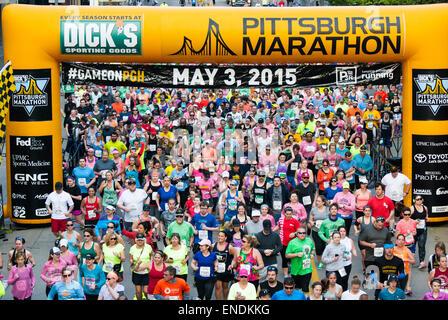 Pittsburgh, USA. 3 mai, 2015. Coureurs de Pittsburgh et dans le monde a participé à la 2015 Dick's Sporting Goods Banque D'Images