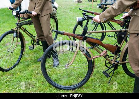 Vieux vélo militaire utilisé dans la première et seconde guerre mondiale