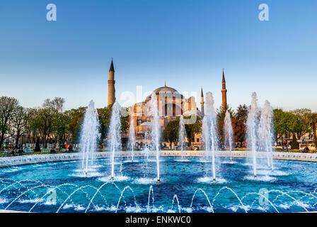 La mosquée Sainte-Sophie dans la place Sultanahmet, Istanbul, Turquie. Le musée Hagia Sophia Istanbul Turquie Banque D'Images
