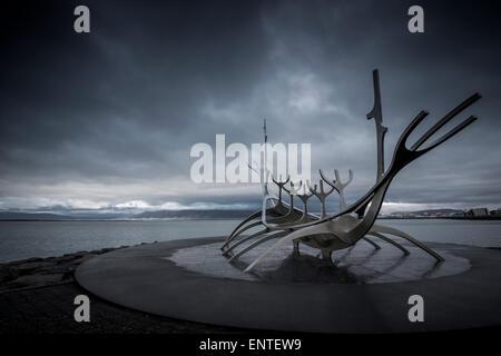 L'Islande, Reykjavik, Solfar Viking Ship Sculpture Banque D'Images