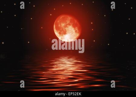 Big bloody red Moon and Stars reflète dans une surface de l'eau lame crantée Banque D'Images