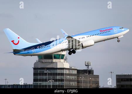 un boeing 737 800 avion l 39 a roport d 39 h raklion cr te gr ce banque d 39 images photo stock. Black Bedroom Furniture Sets. Home Design Ideas