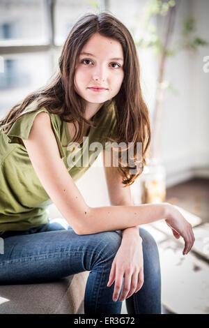 Portrait d'une adolescente. Banque D'Images