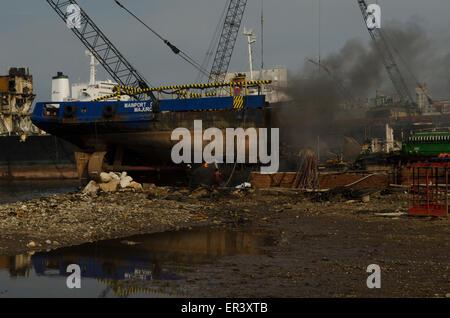 Chantiers de démolition des navires turcs à Aliaga près de Izmir Turquie Banque D'Images