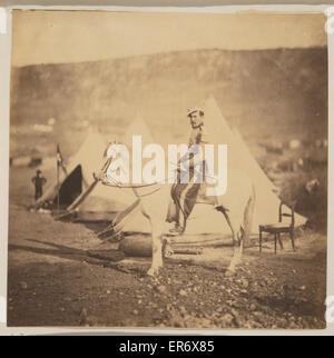 Chasseur d'Afrique - officier. Officier de l'armée française assis sur le cheval, portrait en pied, en uniforme, Banque D'Images