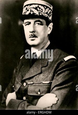 Charles de Gaulle - portrait. Le général français des Forces françaises libres (Forces françaises libres) pendant la Seconde Guerre mondiale, et 2