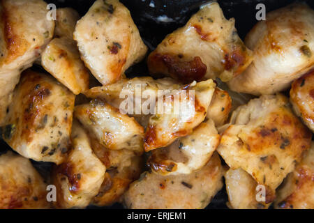 Ailes de poulet frit avec sauce. Banque D'Images