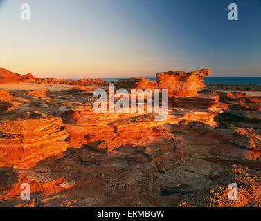 Gantheaume Point au coucher du soleil; Broome, Kimberley, Western Australia, Australia Banque D'Images