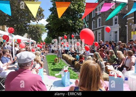 Islington, Londres, 7 juin 2015.Un jour ensoleillé pour le dog show compétition à la grande fête de rue du Midi Banque D'Images