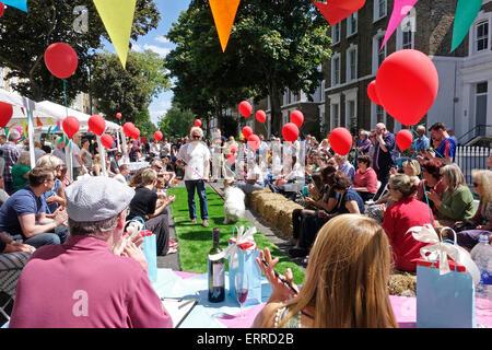 Islington, Londres, 7 juin 2015. Un jour ensoleillé pour le dog show compétition à la grande fête de rue du Midi Banque D'Images
