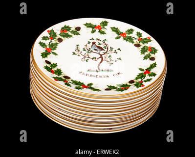 Vintage '12 jours de Noël sur le thème des assiettes de collection par Royal Grafton poterie. Banque D'Images