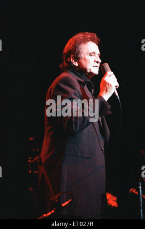 Johnny Cash, de concert au Royal Albert Hall, Londres, dimanche 14 mai 1989. Banque D'Images
