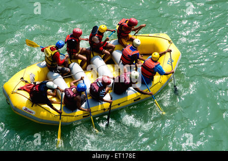 Le rafting en rivière Ganga Gange Rishikesh Inde Uttarakhand Uttaranchal Banque D'Images