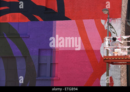 Montréal, Canada. 13 Juin, 2015. La murale est un public international art festival qui attire des artistes du monde Banque D'Images