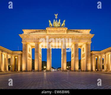Berlin, Allemagne à la porte de Brandebourg. Banque D'Images