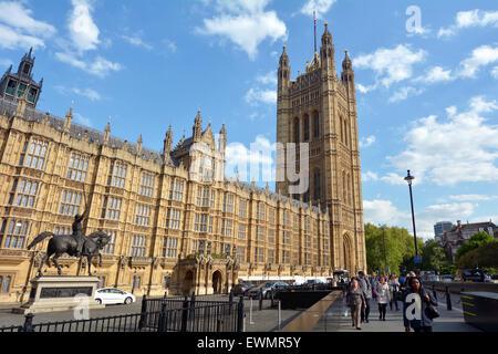 Londres - le 14 mai 2015:Victoria Tour de Palais de Westminster à Londres, Angleterre. Construit en 1897 en l'honneur Banque D'Images