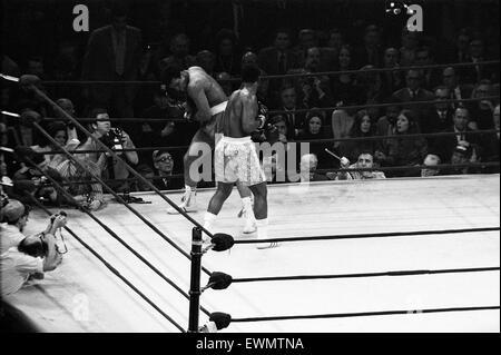 Muhammad Ali et Joe Frazier il bataille pour le World Heavyweight Championship à Madison Square Garden New York. 8 mars 1971