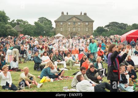 Un 60 et 70 concert de look-a-like et à nouveau la Beatlemania bandes Bjorn a eu lieu à Ormesby Hall le samedi soir Banque D'Images