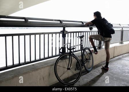 Bike messenger se briser Banque D'Images