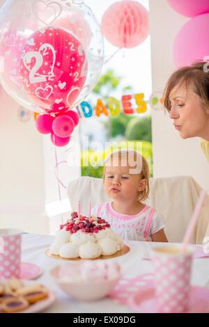 Garden party pour l'anniversaire de sa fille Banque D'Images