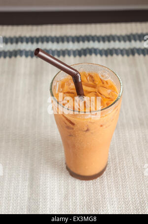 Thé au lait, célèbre boisson, boisson sucrée Banque D'Images